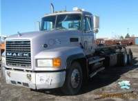 2001 Mack CL 700 Roll-off